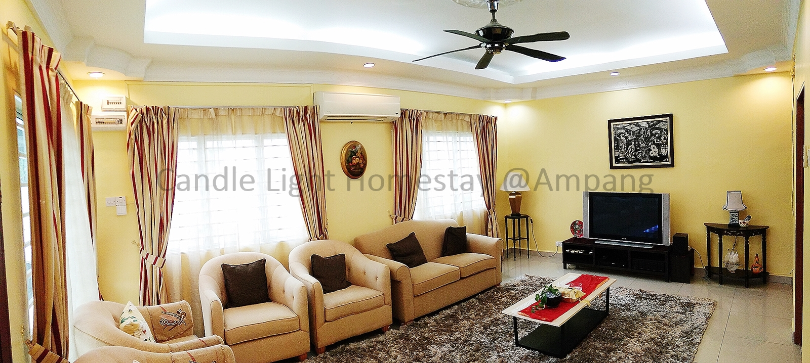 Living Room - Candle Light Home Stay@Ampang